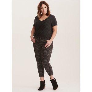 Torrid Camo Skinny Crop Jeans Washed Olive NWT 14